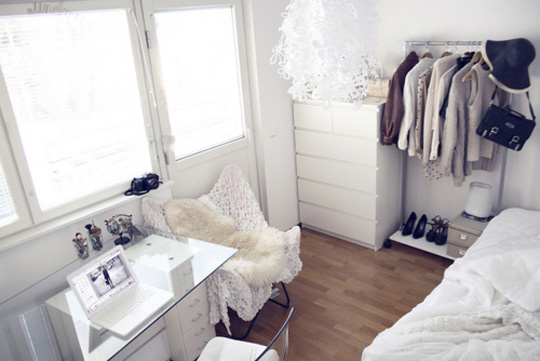 white_room_interior002.jpg